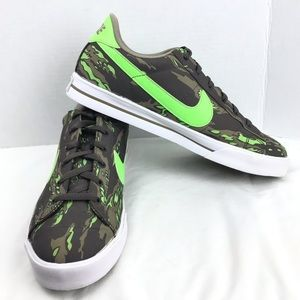 Nike Green Camouflage Fashion Sneakers Shoes 11.5